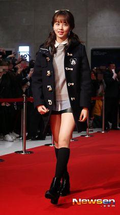 "김소현金所炫◕‿◕✿出席電影""기술자들技術者們""VIP首映 Kim So Hyun Fashion, Kim Sohyun, Pop Fashion, My Girl, Korean, Punk, Actresses, Kpop, Actors"