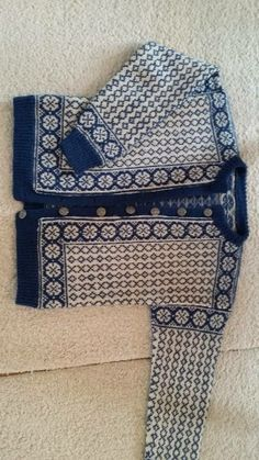 Vrådal 1221 S Fair Isle Knitting Patterns, Knitting Machine Patterns, Fair Isle Pattern, Knit Patterns, Color Patterns, Norwegian Knitting, Fair Isles, Knits, Knit Crochet