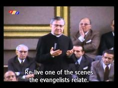 Barcelona, 1972. St Josemaria reminds us that Jesus is present in the Eucharist. Praying before the tabernacle with that attitude means making an act of faith