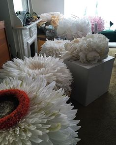 The half of it, literally no where to sit down in here. How To Make Paper Flowers, Large Paper Flowers, Tissue Paper Flowers, Giant Paper Flowers, Paper Flowers Diy, Handmade Flowers, Flower Crafts, Fabric Flowers, Flower Window