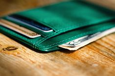 A Well-Rounded Wallet with an ID pocket +Designed in Sweden +Handmade in genuine Tuscany leather +RFID blocking +Free US Shipping Our Smooth Compact Wallet carries all your daily cards and cash in a small and compact frame. The back features a transparent ID-card slot. - Holds 8 cards
