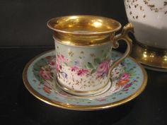 porcelaine dauteuil paris france | Sur une forme Empire, on a dessiné avec poésie un charmant jardin de ...