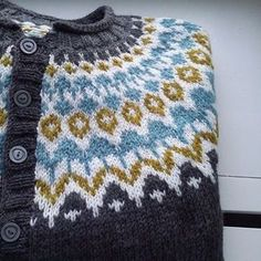 Ravelry: Project Gallery for Riddari pattern by Védís Jónsdóttir Fair Isle Knitting, Knitting Yarn, Knitting Machine, Free Knitting, Sweater Knitting Patterns, Knit Patterns, Stitch Patterns, Norwegian Knitting, Icelandic Sweaters