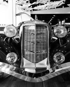 #pistonringsworldofwheels #WorldofWheels #winnipegcarshow  #1935 #vintagecar #auburnboattailspeedster  #classiccars #gorgeouscar My #passions & #hobby:   1- #Photography;  #Classic #vintage #vehicles 100% #AmateurPhotography, I don't have a clue how to use a camera lol