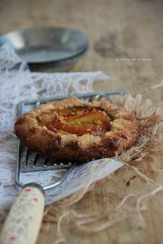 Almond and peach tart