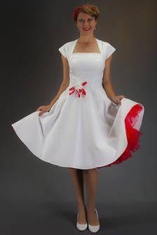 SETRINO® Couture aus Berlin | Brautkleid elfenbein-weiss in einer Version mit ROT