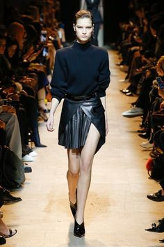 Mugler Fall 2017 Ready-to-Wear Collection Photos - Vogue