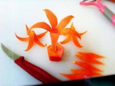 Cómo hacer una rosa con una zanahoria para decorar platos