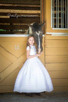 Communion photography. Girl communion photo ideas. Children photography. Outdoor photo ideas. Children and horses photo ideas. Farm photo ideas. InesLynn photography. Miami, FL photographer.