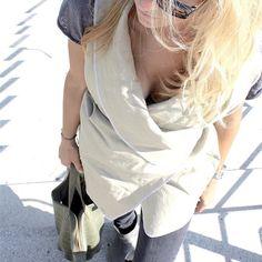 Frühlingsbeginn herrlich! Und Wochenbeginn auch noch ;) alle guten Dinge sind zwei :) #spring #frühlingsbeginn #frühling #leinen #businesswoman #businessoutfit #fashion #stiegen #leatherbag #sunglasses #blondehair #blonde #lunchtime #monday #mondaymotivation #happyday @foxfuchs Business Outfit, One Shoulder, Instagram Posts, Women, Fashion, Good Things, Do Your Thing, Linen Fabric, Moda