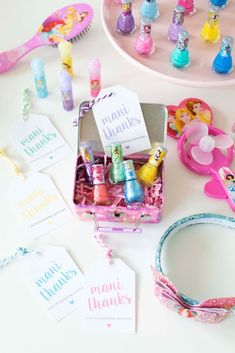 Disney Princess Party Favors + Free Printable Tags for TownleyGirl Princess Party Activities, Princess Birthday Party Decorations, Disney Princess Birthday Party, Party Favors For Kids Birthday, Spa Birthday Parties, Birthday Crowns, Cinderella Party, 4th Birthday, Birthday Ideas