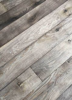 An unique weathered look. The features of the wood's natural grain end texture are strikingly visible. Also one of your favorite wooden floors?