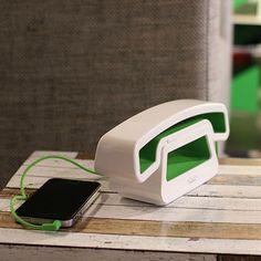 Neo-Retro Handset: Old School Tech with a Futuristic Look We Love | #design #gadgets #phones #handsets #smartphones #neoretro #home #tech #office