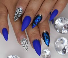 In seek out some nail designs and ideas for the nails? Listed here is our list of 25 must-try coffin acrylic nails for trendy women. Fabulous Nails, Gorgeous Nails, Fancy Nails, Trendy Nails, Blue Stiletto Nails, Manicure E Pedicure, Pedicures, Hot Nails, Creative Nails