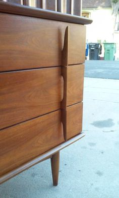 Mid-century furniture: Let's fall in love with the most amazing mid-century modern credenzas. With a mid-century design, this credenza will elevate your mid-century modern interior