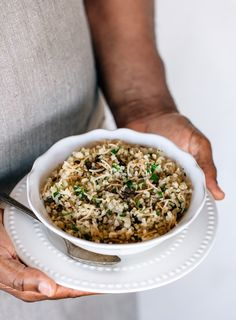"""Learn how to make the BEST bulgur pilaf with my mom's 5 """"secret"""" tips. Bulgur Recipes, Veggie Recipes, Great Recipes, Healthy Recipes, Vegetarian Recipes, Amazing Recipes, Healthy Foods, Favorite Recipes, Coffee Can Crafts"""
