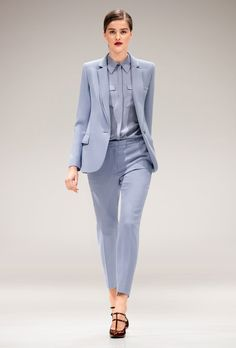 Escada Fall 2017 Ready-to-Wear Fashion Show Office Fashion, Work Fashion, Fashion Show, Suit Fashion, Fashion 2017, Fashion Outfits, Business Outfits, Business Fashion, Suits For Women