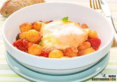 Huevos con tomate y ñoquis