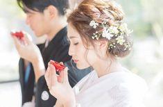 White Kimono, Hair Arrange, Hair Vine, Bridesmaid Dresses, Wedding Dresses, Bridal Hair, Groom, Hair Beauty, Beautiful Women