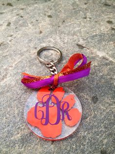 Personalized Monogrammed Acrylic CLEMSON keychain 2in on Etsy, $8.00 Vinyl Crafts, Vinyl Projects, Craft Projects, Craft Ideas, Monogram Jewelry, Monogram Keychain, Monogram Initials, Fight Tiger, Acrylic Keychains