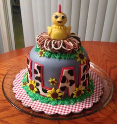 Our Chica cake for Elah.  We had fun making this one.
