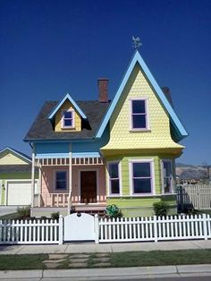 """Home built to match the house in 2009 Disney Movie """"UP"""". Adorable. on the market for $400k"""