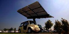 Ombrière photovoltaïque - station de recharge autonome et mobile pour véhicules électriques.  Développée par le Groupe HERVE et RCP Design. Structure en matériaux composites par Solutions Composites.