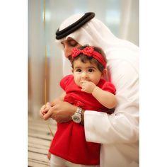 Juma DJM con su hija, Nouf JDM, 30/12/2014. Vía: Camelia (mrs_almaktoum)
