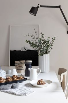 9 Cozy deco pins that will remind you why you love November (Daily Dream Decor) Banquettes, Slow Living, Dream Decor, Minimalist Home, Interiores Design, Home Art, Interior Inspiration, Interior And Exterior, Kitchen Decor