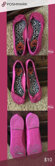 Rocket Dog Peep Toe Flats 💕Fabric Flats in bright pink!! Peep toe.                              🌸Bundle & Save🌸                                                                         Nonsmoking, pet friendly (Morkie) home. Rocket Dog Shoes Flats & Loafers