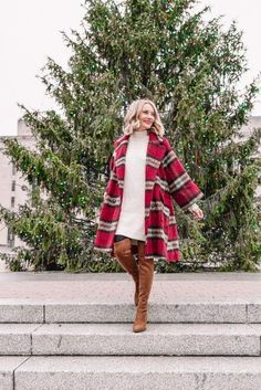 Me gusta, 153 comentarios - Pretty in Pink Megan Holiday Fashion, Holiday Outfits, Winter Fashion, Oversized Coat, Cool Sweaters, Daily Look, Pretty In Pink, Street Style, Shopping
