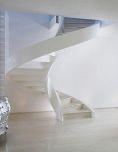 Scala a chiocciola in cemento Eli Ca 01 Concrete Stairs, Concrete Wood, Arch Interior, Interior Design, White Stairs, Concrete Structure, Office Interiors, Interior Office, Staircase Design