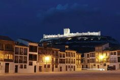 Plaza Medieval y Castillo de Peñafiel (Valladolid. España). Auténtica belleza.