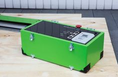 The Grow CNC portable control box suitcase is clean and elegant.