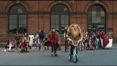 MACKLEMORE & RYAN LEWIS - THRIFT SHOP FEAT. WANZ  (OFFICIAL VIDEO)  Anti-comsumerism,  DIY Second hand culture Hipster