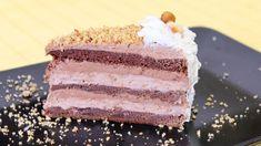 Torta u kojoj je kombinacija lešnika i čokolade. Za 3 kore: 6 celih jaja, ako su sitnija onda 7 6 kašika šećera 6 kašika brašna 50 gr čokolade 100 gr margarina 2 kašike kakaoa 1 kesica praška za pecivo ( 10 gr ) Čokoladni krem: 300 ml slatke pavlake 200 gr crne č