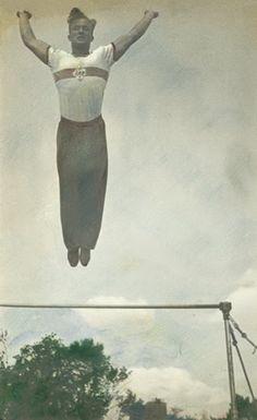 Александр Родченко. «Прыжок с турника». 1936 г.