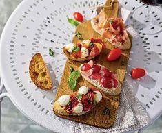 Bruschetty z italské tratorie Ciabatta, Prosciutto, Bruschetta, Mozzarella, Dairy, Mexican, Cheese, Breakfast, Ethnic Recipes