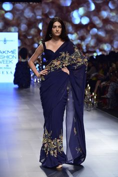Want a unique themed wedding party? Check out this years gorgeous Wonderland Themed Wedding Dresses by Shyamal and Bhumika at Lakme Fashion Week Designer Sarees Wedding, Saree Wedding, Wedding Dresses, Wedding Updo, Indian Fashion Dresses, Indian Designer Outfits, Saree Fashion, Boho Fashion, Fashion Jewelry