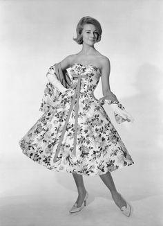 Kobieca moda lat 50.