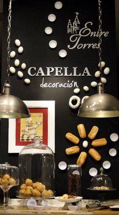 Escaparate CAPELLA Decoración, septiembre año 2011, www.capelladecoracion.com