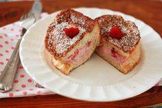 omGosh!!! raspberry stuffed french toast <3