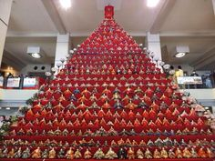 Super huge tiered stand for Hina-dolls/雛人形.