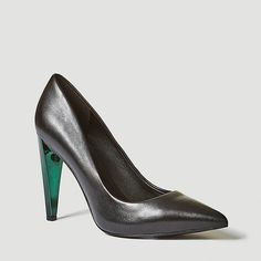 grMake them Green with Envy 💚 Stunning GUESS Leather Pump with Transparent Heel! Transparent Heels, Guess Jeans, Sexy High Heels, Leather Pumps, Envy, Branding Design, Fall Winter, Woman, Hot