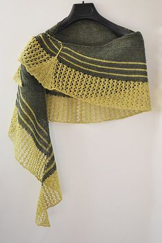 Ravelry: Project Gallery for Ginkgo Shawl pattern by yellowcosmo