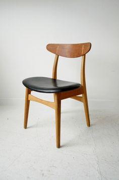 Hans J Wegner CH-30 oak dining chairs, from from www.osimodern.com #Danish #chair #Wegner