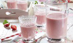 Erdbeer-Orangen-Lassi -  Erdbeeren, Orangensaft und Joghurt ergeben einen erfrischenden Sommerdrink