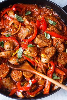 Sausage and Peppers Skillet Italian Sausage and Peppers – Easy and full of flavor! Cooked in one pan for an easy weeknight dinner.Italian Sausage and Peppers – Easy and full of flavor! Cooked in one pan for an easy weeknight dinner. Keto Sausage Recipe, Sausage Recipes For Dinner, Italian Sausage Recipes, Italian Sausages, Italian Cooking, Sausage Peppers And Onions, Stuffed Peppers, Recipes With Sausage And Peppers, Crockpot Sausage And Peppers