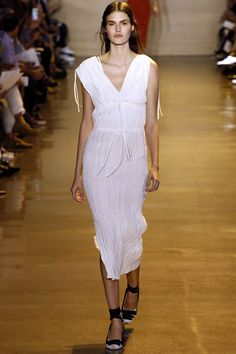 Altuzarra New York - Spring Summer 2016 Ready-To-Wear - Shows - Vogue. Runway Fashion, Spring Fashion, Fashion Outfits, Ny Fashion, Fashion Weeks, Fashion Show Collection, Spring Summer 2016, Petite Fashion, Dress Me Up