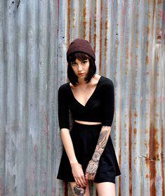 jaredtomas:    Hannah Snowdon by walnutwax